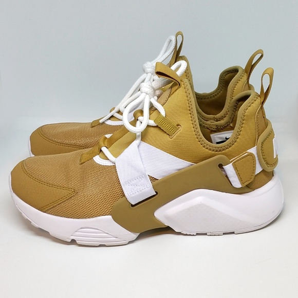 ba14d824b61d Nike Air Huarache City Low Elemental Gold AH6804. M 5aaeec1b72ea881b92d37915
